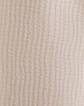 Robe blanche à manches volantées